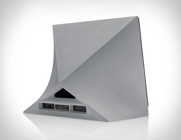 master-dynamic-wireless-speaker-3.jpg | Image