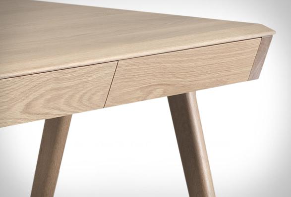 metis-desk-3.jpg | Image