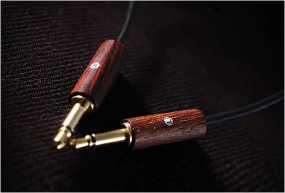 meze-73-classics-headphones-3.jpg | Image