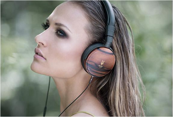 meze-73-classics-headphones-4.jpg | Image