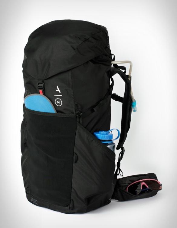 moment-strohl-mountain-light-backpack-2.jpg | Image