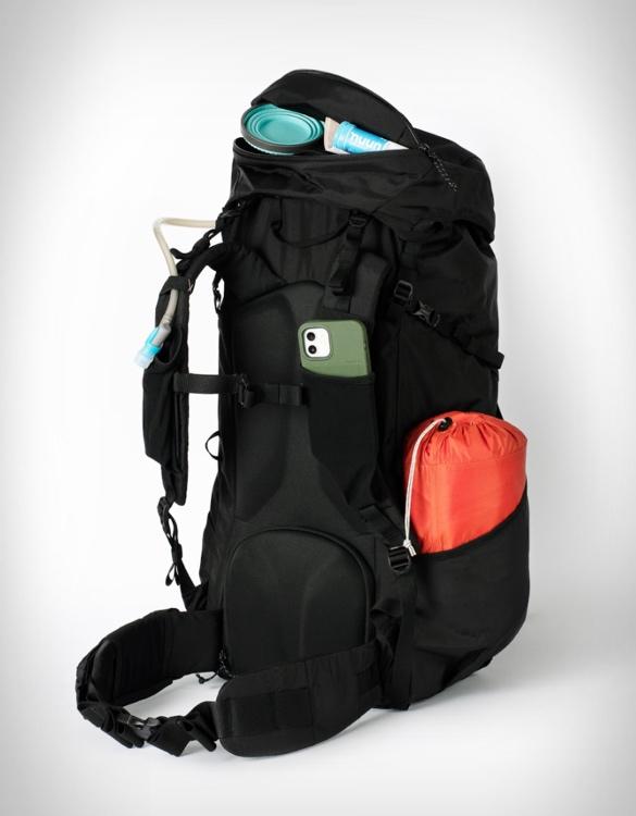 moment-strohl-mountain-light-backpack-3.jpg | Image
