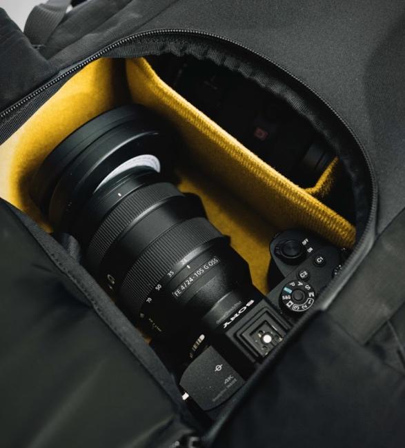 moment-strohl-mountain-light-backpack-6.jpg