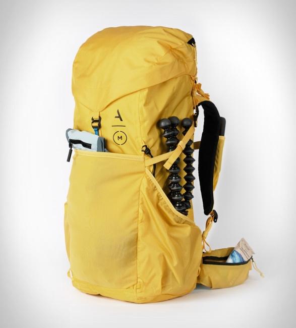 moment-strohl-mountain-light-backpack-7.jpg