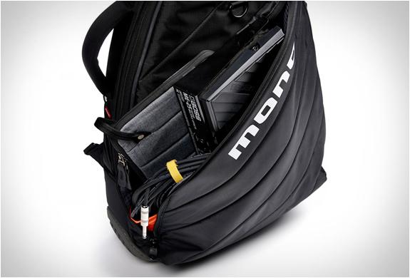 mono-guitar-bags-4.jpg | Image