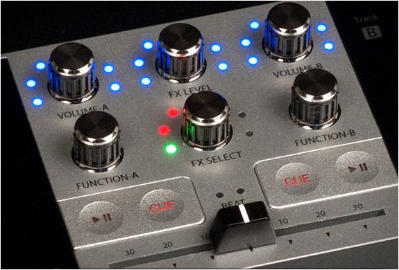 monster-go-dj-portable-mixer-7.jpg