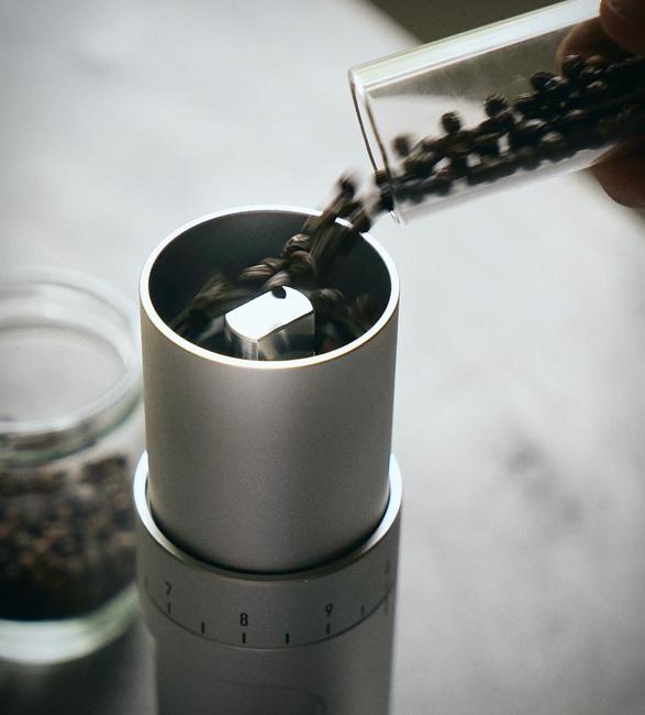 moulin-pepper-grinder-2.jpg | Image