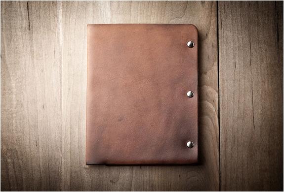 mr-lentz-passport-wallet-3.jpg | Image