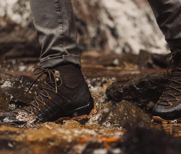 naglev-kevlar-hiking-boots-7.jpg
