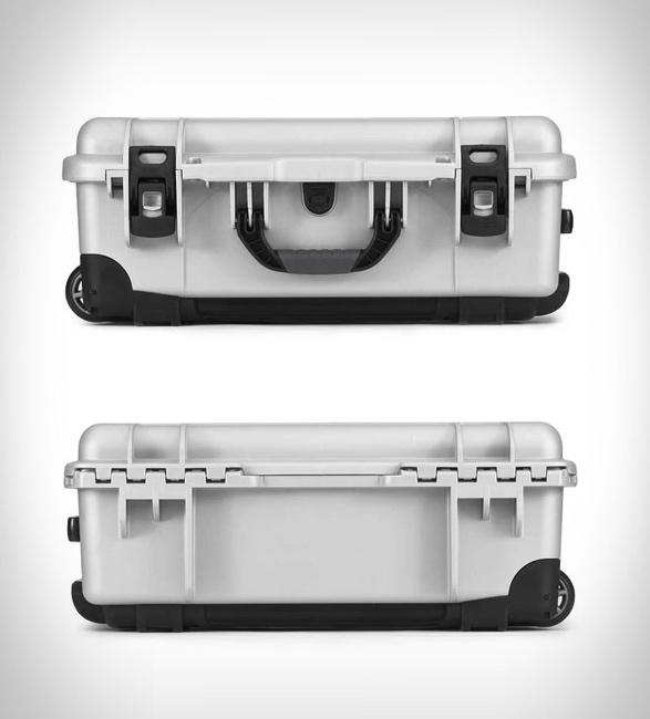 nanuk-935-waterproof-carry-on-1a.jpg | Image