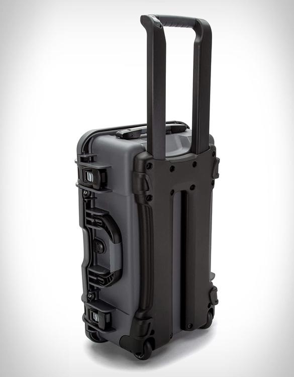 nanuk-935-waterproof-carry-on-7.jpg