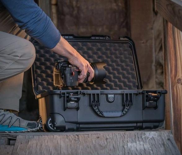 nanuk-935-waterproof-carry-on-9.jpg
