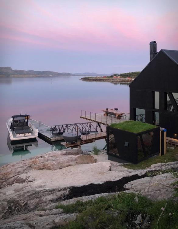 naustet-stokkoya-boathouse-10.jpg