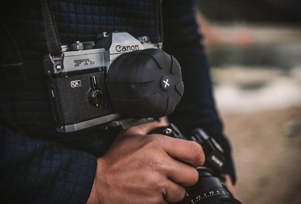 Kuvrd Universal Lens Cap 2.0 | Image