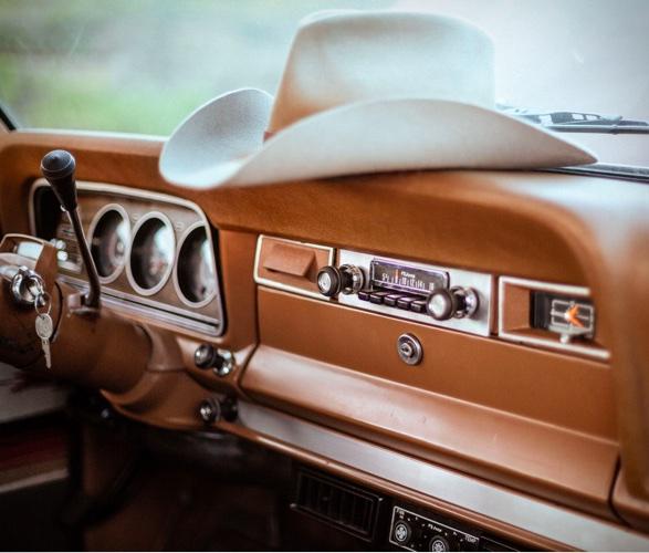 new-legend-iron-resin-1978-jeep-wagoneer-10.jpg