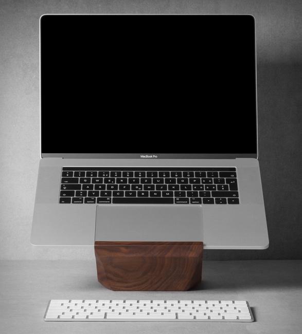 new-yohann-macbook-stand-7.jpg