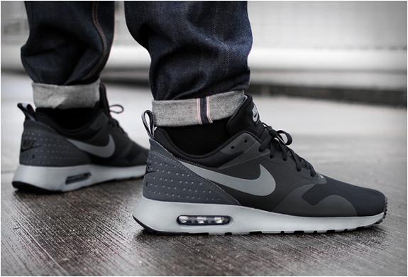 Nike Air Max Tavas Black | Image