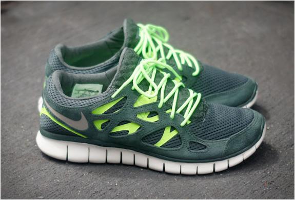 design intemporel 2740d 068e2 Nike Free Run 2 Vintage Green