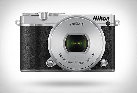 nikon-1-j5-2.jpg | Image