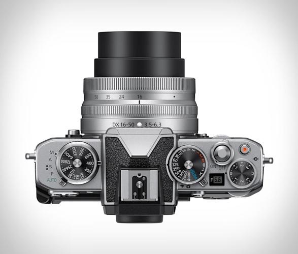 nikon-z-fc-mirrorless-camera-2.jpg | Image