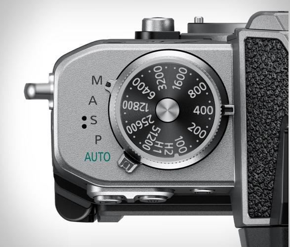 nikon-z-fc-mirrorless-camera-4.jpg | Image
