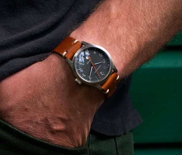 oak-oscar-olmsted-watch-6.jpg