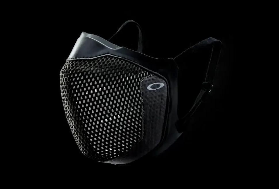 Oakley MSK3 Eyewear-Friendly Mask | Image