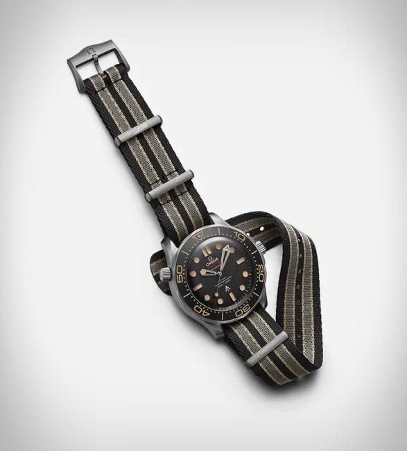 omega-seamaster-diver-007-edition-4.jpg   Image