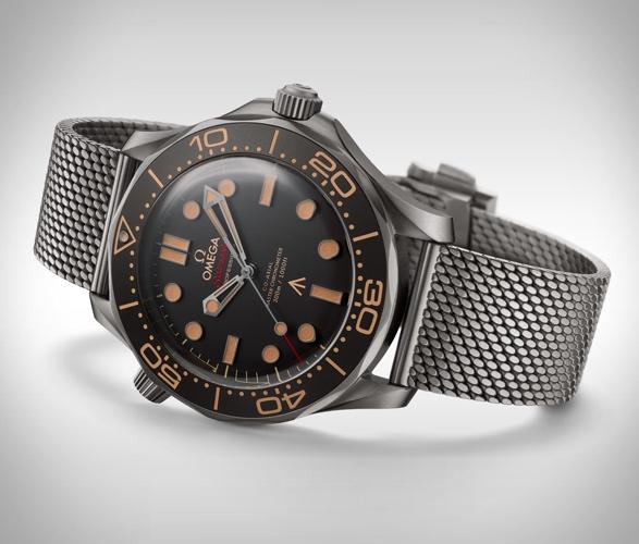 omega-seamaster-diver-007-edition-5.jpg   Image