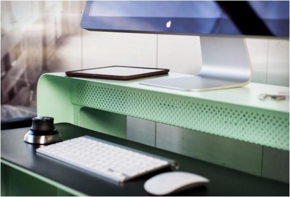 oneless-desk-11.jpg