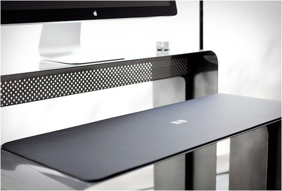 oneless-desk-9.jpg