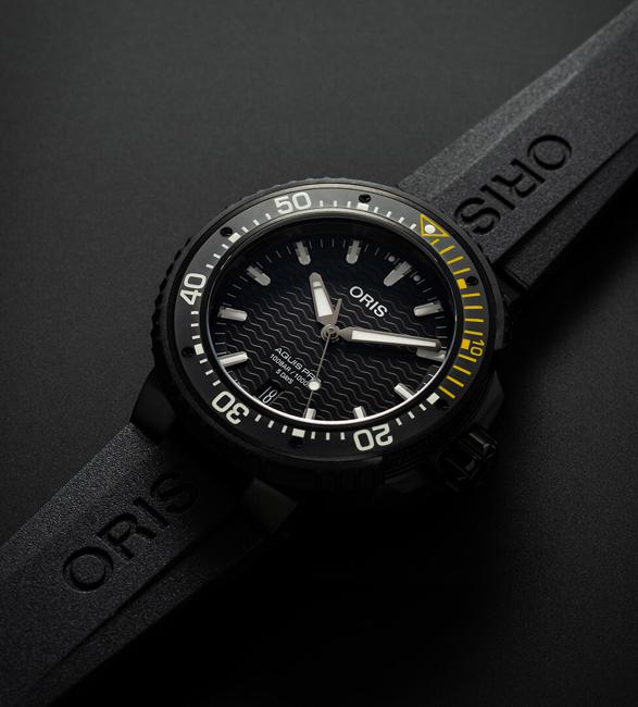 oris-aquispro-date-watch-3.jpg | Image