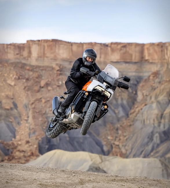 pan-america-1250-adventure-motorcycle-3.jpg | Image