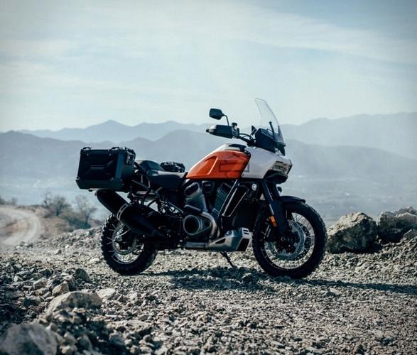 pan-america-1250-adventure-motorcycle-6.jpg