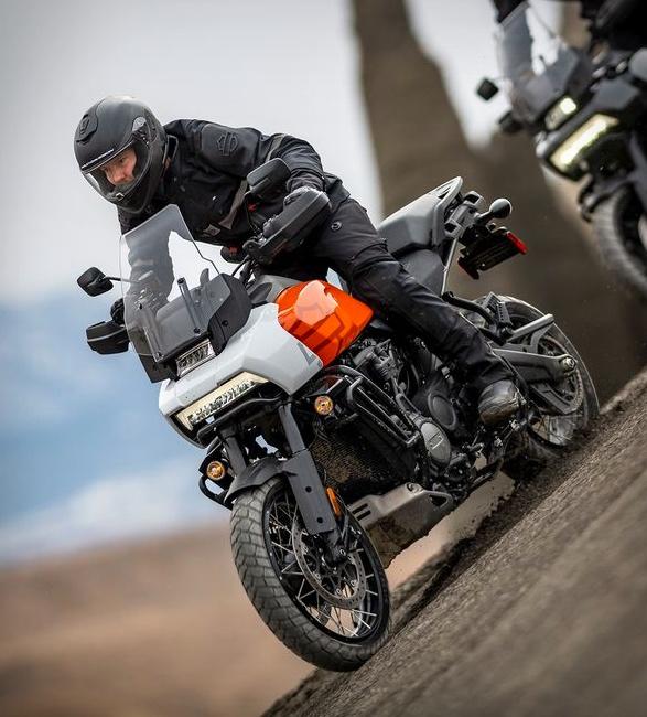pan-america-1250-adventure-motorcycle-7.jpg