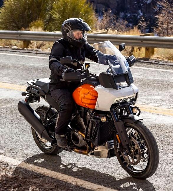 pan-america-1250-adventure-motorcycle-8.jpg