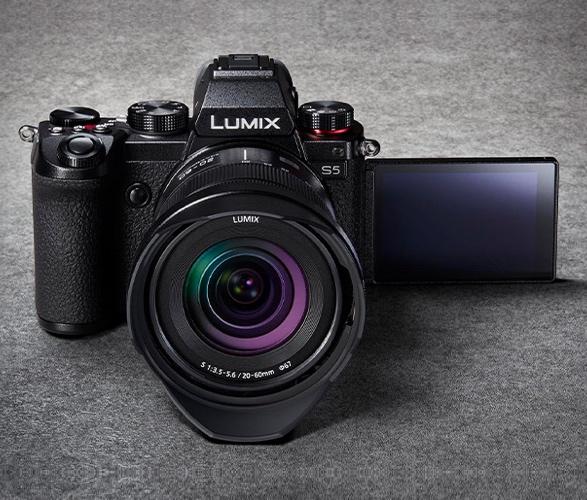 panasonic-lumix-s5-6.jpg