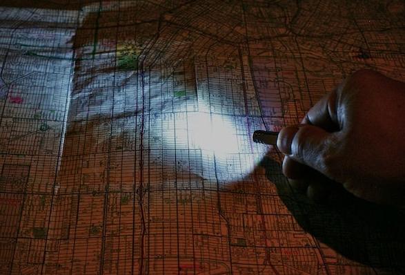 pixel-keychain-flashlight-4.jpg | Image