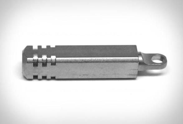 pixel-keychain-flashlight-5.jpg | Image