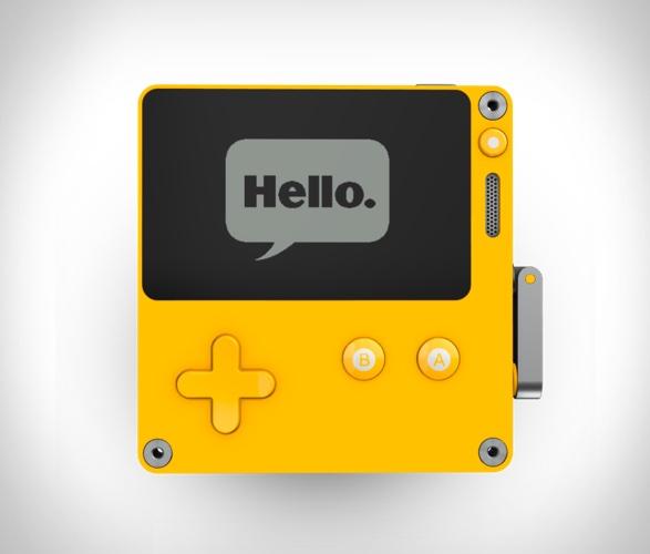 playdate-handheld-console-3.jpg | Image