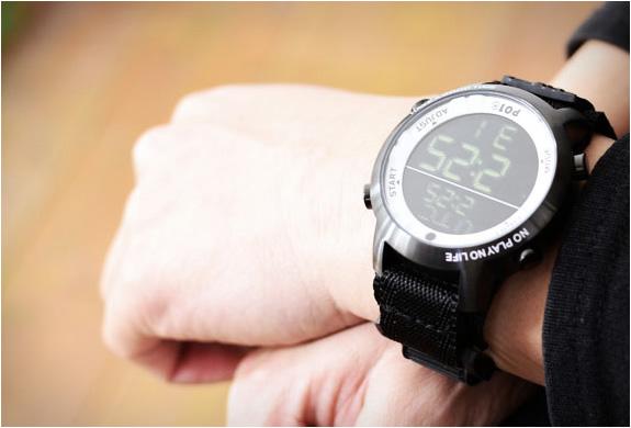 playtime-super-digital-watch-7.jpg