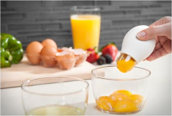 pluck-yolk-remover-3.jpg | Image