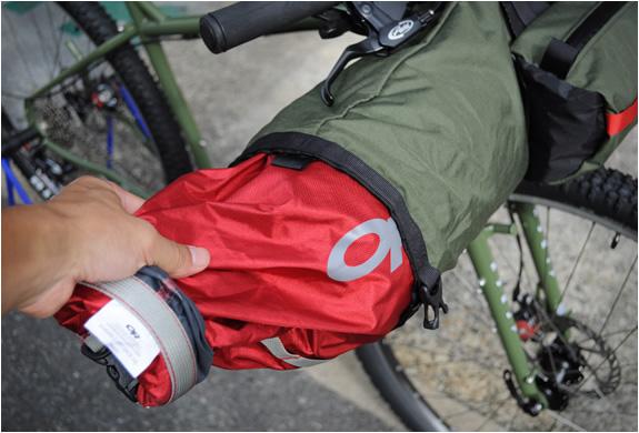 porcelain-rocket-bicycle-bags-4.jpg | Image