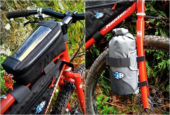 porcelain-rocket-bicycle-bags-6.jpg