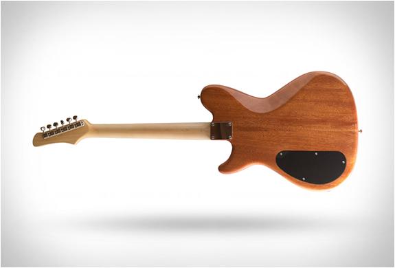 prisma-guitars-9.jpg