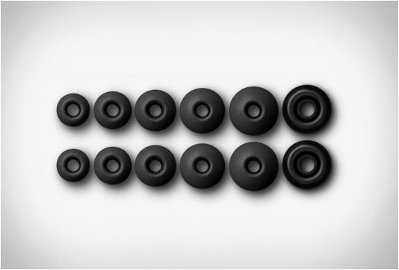 q-jays-earphones-6.jpg