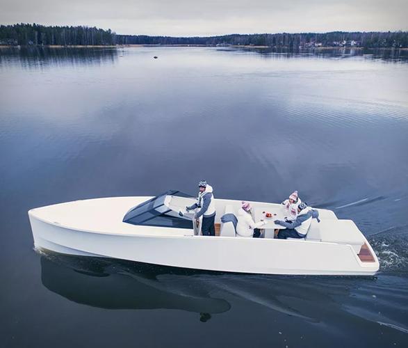 q30-electric-boat-2.jpg   Image