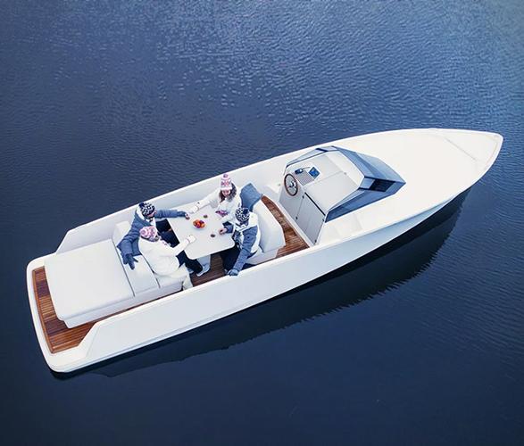 q30-electric-boat-3.jpg   Image