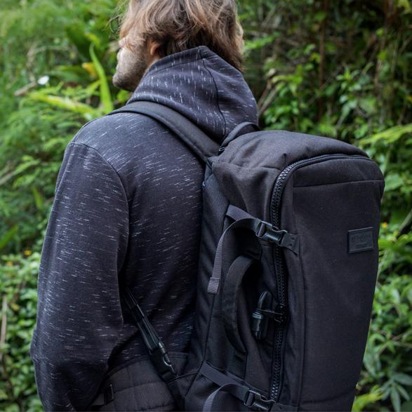 quiksilver-pacsafe-backpack-6.jpg