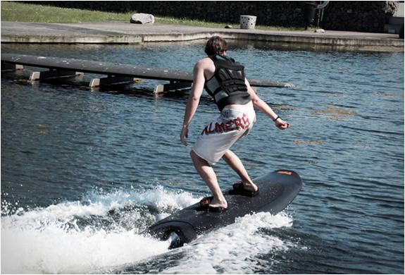 radinn-electric-wakeboard-6.jpg